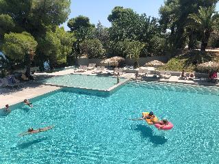 http://photos.hotelbeds.com/giata/13/137315/137315a_hb_ro_094.jpg