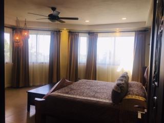 http://photos.hotelbeds.com/giata/13/139552/139552a_hb_ro_043.jpg