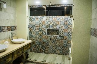 http://photos.hotelbeds.com/giata/13/139552/139552a_hb_ro_066.jpg
