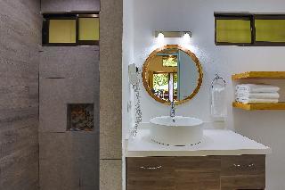 http://photos.hotelbeds.com/giata/13/139552/139552a_hb_ro_080.jpg
