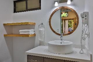 http://photos.hotelbeds.com/giata/13/139552/139552a_hb_ro_081.jpg