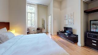 http://photos.hotelbeds.com/giata/14/142059/142059a_hb_ro_033.jpg