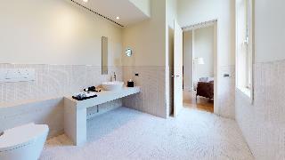 http://photos.hotelbeds.com/giata/14/142059/142059a_hb_ro_035.jpg