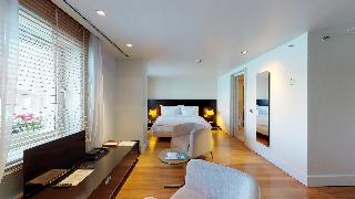 http://photos.hotelbeds.com/giata/14/142059/142059a_hb_ro_038.jpg