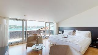 http://photos.hotelbeds.com/giata/14/142059/142059a_hb_ro_049.jpg