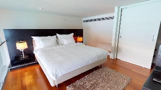 http://photos.hotelbeds.com/giata/14/142059/142059a_hb_ro_060.jpg