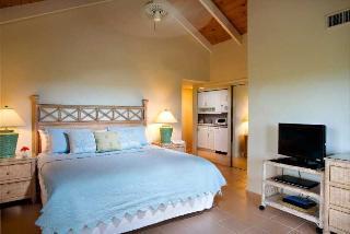 Hotels in Providenciales: Ocean Club Resort