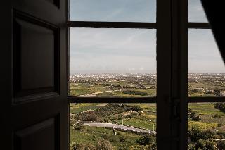http://photos.hotelbeds.com/giata/14/147729/147729a_hb_ro_039.jpg