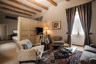 http://photos.hotelbeds.com/giata/14/147729/147729a_hb_ro_040.jpg