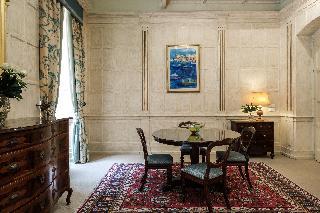 http://photos.hotelbeds.com/giata/14/147729/147729a_hb_ro_058.jpg