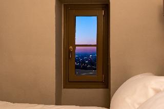 http://photos.hotelbeds.com/giata/14/147729/147729a_hb_ro_184.jpg