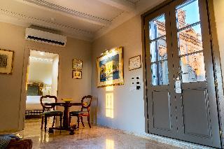 http://photos.hotelbeds.com/giata/14/147729/147729a_hb_ro_187.jpg