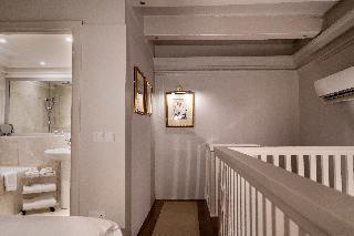 http://photos.hotelbeds.com/giata/14/147729/147729a_hb_ro_200.jpg