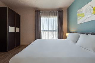 http://photos.hotelbeds.com/giata/14/148512/148512a_hb_ro_013.jpg