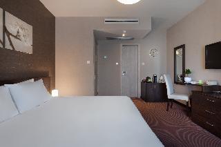 http://photos.hotelbeds.com/giata/14/148512/148512a_hb_ro_039.jpg