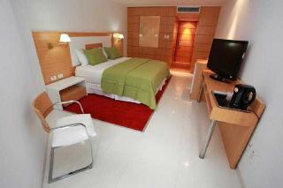 http://photos.hotelbeds.com/giata/15/153540/153540a_hb_ro_003.jpg