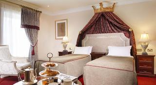 http://photos.hotelbeds.com/giata/15/154138/154138a_hb_ro_003.jpg