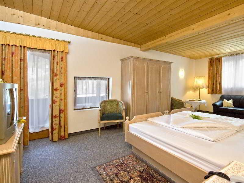 Gisela Hotel - Zimmer