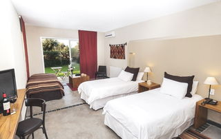 http://photos.hotelbeds.com/giata/15/155722/155722a_hb_ro_007.jpg