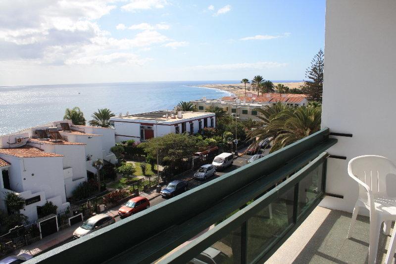 Hotel roca verde apartamentos playa del ingles gran canaria - Apartamentos playa del ingles trivago ...