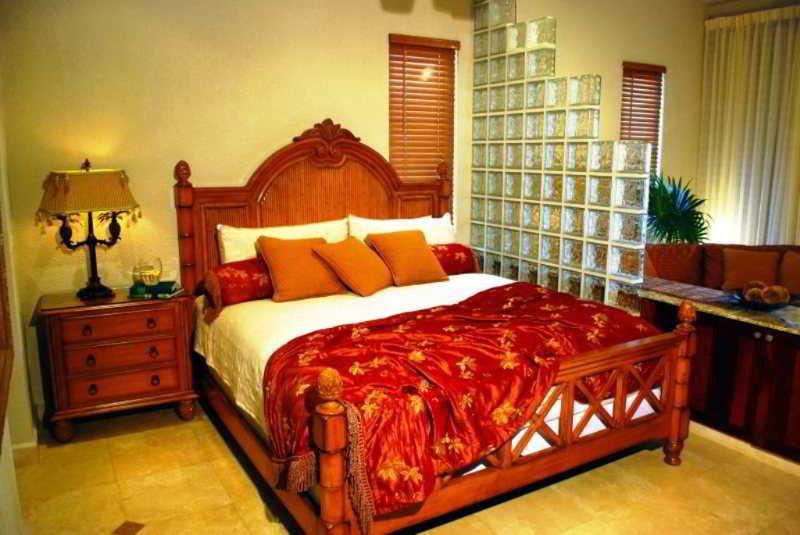 Parrot Tree Beach Resort & Marina - Zimmer