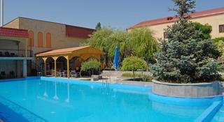 Armenian Royal Palace - Pool