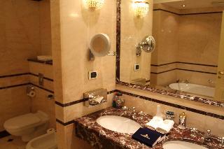 http://photos.hotelbeds.com/giata/16/164488/164488a_hb_ro_079.JPG