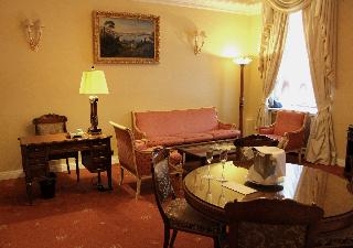 http://photos.hotelbeds.com/giata/16/164488/164488a_hb_ro_106.jpg