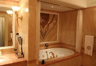 http://photos.hotelbeds.com/giata/16/164488/164488a_hb_ro_110.JPG