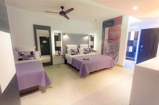 http://photos.hotelbeds.com/giata/16/164615/164615a_hb_ro_007.jpg