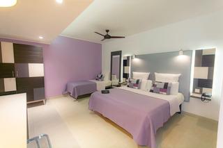 http://photos.hotelbeds.com/giata/16/164615/164615a_hb_ro_008.jpg