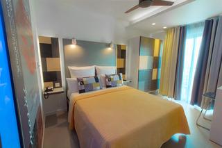 http://photos.hotelbeds.com/giata/16/164615/164615a_hb_ro_014.jpg