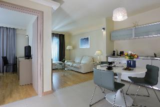 http://photos.hotelbeds.com/giata/17/173508/173508a_hb_ro_034.JPG