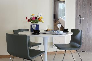 http://photos.hotelbeds.com/giata/17/173508/173508a_hb_ro_039.jpg