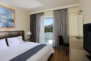 http://photos.hotelbeds.com/giata/17/173508/173508a_hb_ro_053.JPG