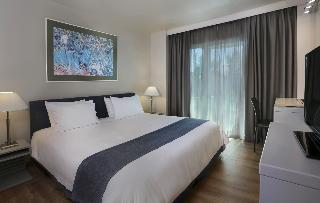 http://photos.hotelbeds.com/giata/17/173508/173508a_hb_ro_057.jpg