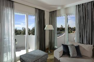 http://photos.hotelbeds.com/giata/17/173508/173508a_hb_ro_063.JPG