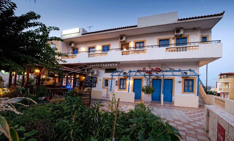 Vasilakis apartments di crete for 7047 design hotel