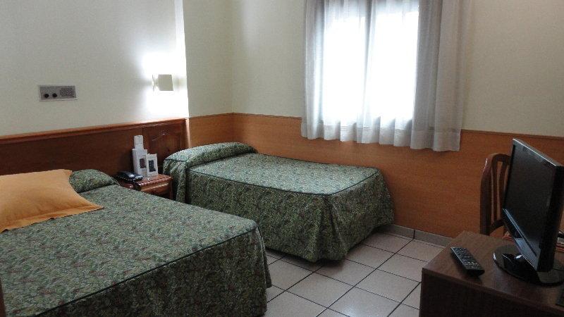 Pitiusa hotel - Zimmer