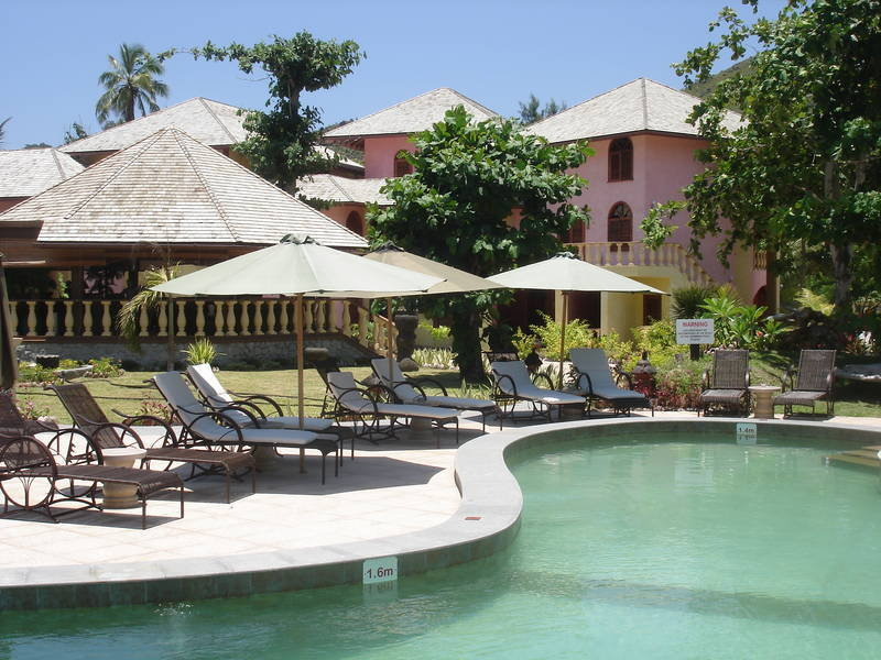 4 sterne hotel castello beach hotel in praslin. Black Bedroom Furniture Sets. Home Design Ideas