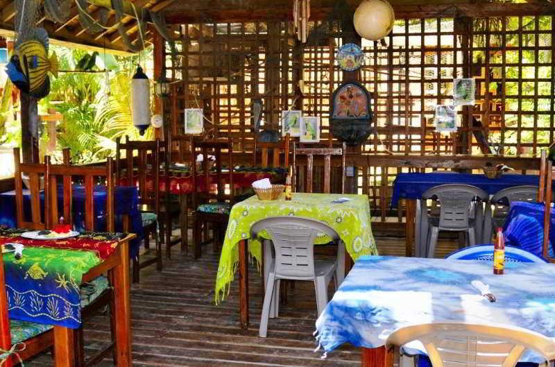 West Bay Lodge - Restaurant