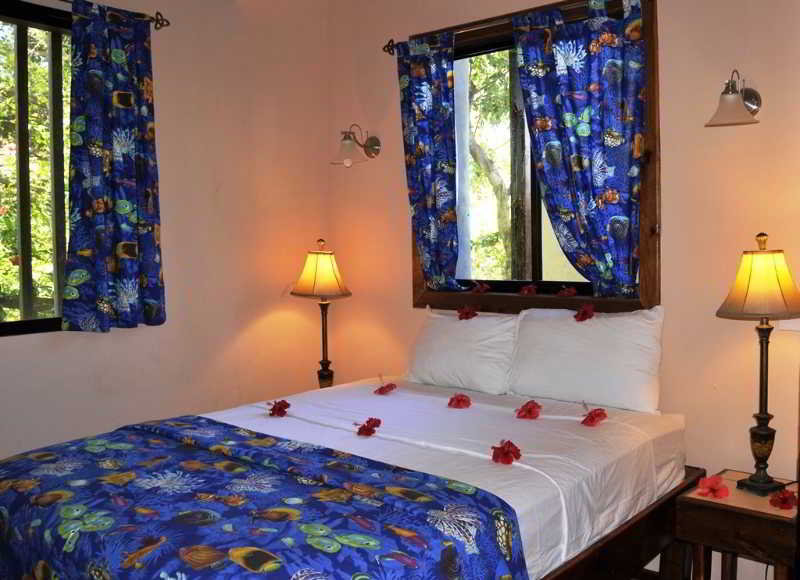 West Bay Lodge - Zimmer