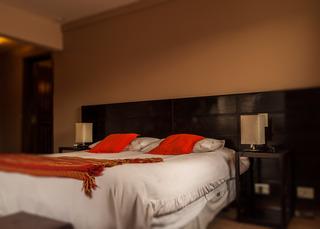 http://photos.hotelbeds.com/giata/18/185572/185572a_hb_ro_001.jpg