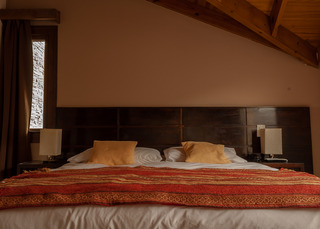 http://photos.hotelbeds.com/giata/18/185572/185572a_hb_ro_002.jpg