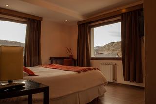 http://photos.hotelbeds.com/giata/18/185572/185572a_hb_ro_006.jpg