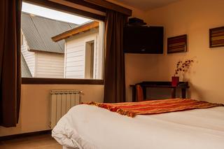 http://photos.hotelbeds.com/giata/18/185572/185572a_hb_ro_007.jpg