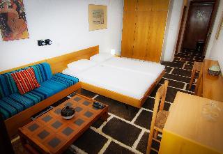 http://photos.hotelbeds.com/giata/18/186071/186071a_hb_ro_064.jpg
