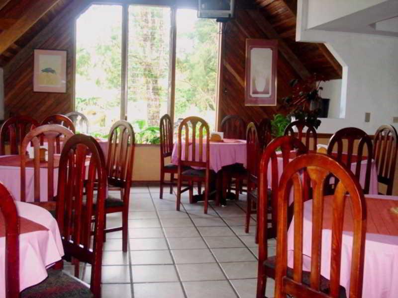 Hotel villa zurqui valle central san jos valle central for Villas zurqui