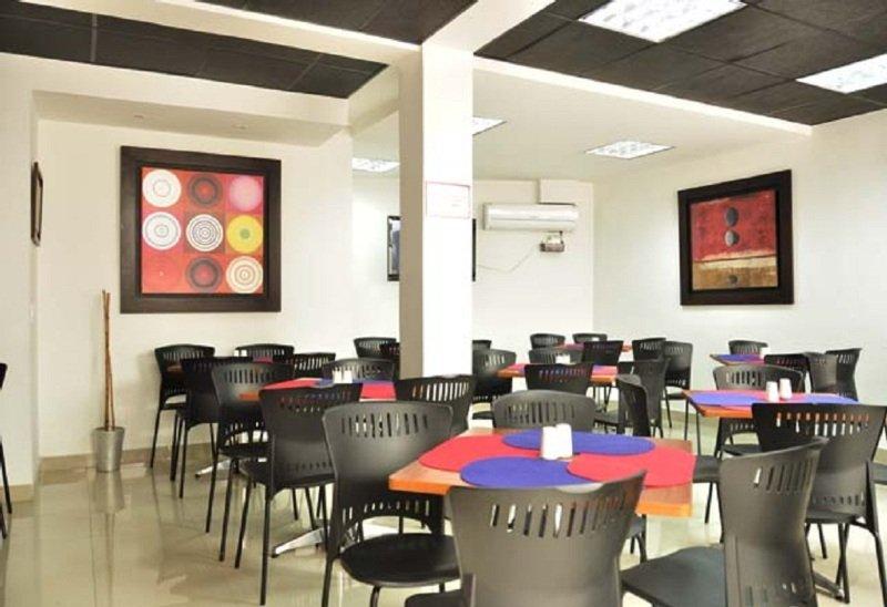 Innova Centro Internacional - Restaurant