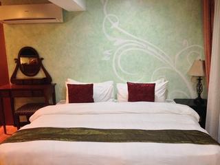 http://photos.hotelbeds.com/giata/18/189822/189822a_hb_ro_039.JPG
